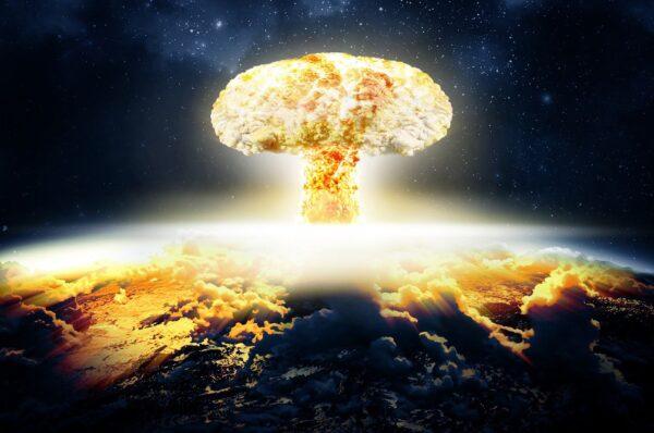 انفجار بمب هستهای در فضا